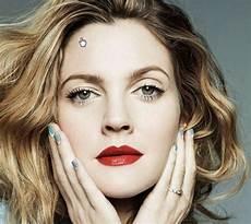 Drew Barrymore Tem Planos Pra Sua Marca De Beaut 233