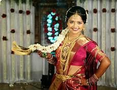 balu ralya kerala traditional hindu pelli poola jada southindian bridal hairstyles with flowers