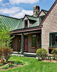 metal roofing colors and house facade choosing the right combination