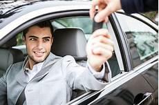 auto bar bezahlen auto leasen oder kaufen so finden sie die perfekte l 246 sung