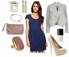 Dunkelblaues Kleid Kombinieren - dunkelblaues kleid hochzeit