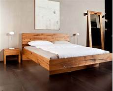 schlafzimmer betten pin von christiane auf betten schlafzimmer massivholz
