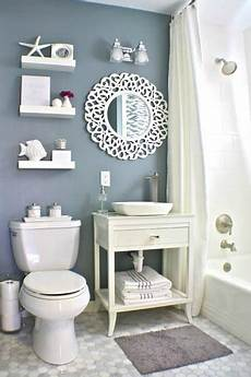 Bathroom Wall Decor Photos by 40 Stylish Small Bathroom Design Ideas Decoholic