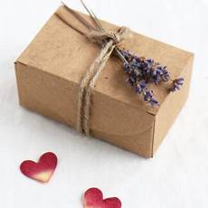 diy favour box make your own wedding party favours