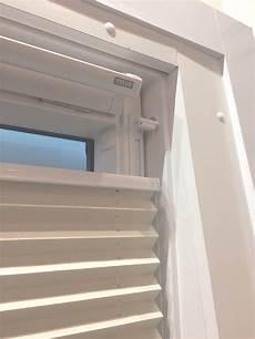 Dachfenster Rollo Ohne Bohren - plissee ohne bohren f 252 r dachfenster rollomeister de