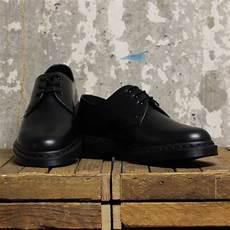 dr martens 1461 mono black smooth bottes et baskets