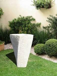 pot de fleurs extérieur 76170 pot carr 233 design en reconstitu 233 e taille 1