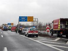 Verkehr Auf A10 Rollt Nach Schwerem Lkw Unfall Wieder