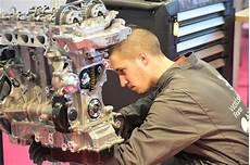 mecanicien auto salaire m 233 canicien auto 233 tudes dipl 244 mes salaire formation cidj