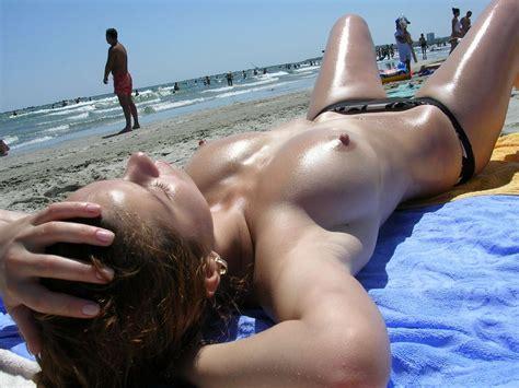 Amy Schumer Masturbating
