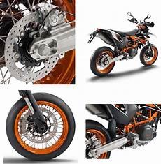 ktm 690 smc r supermoto review of ktm 2017 690 smc r supermoto bikes catalog