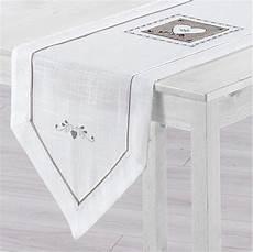 chemin de table en chemin de table l150 cm amandine brod 233 blanc linge de table eminza