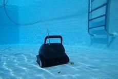 quel robot pour nettoyer ma piscine