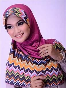 Motif Dan Model Jilbab Yang Selalu Ngetrend Sepanjang Tahun