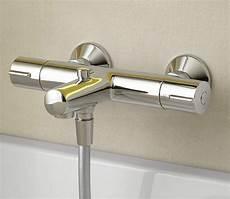 mitigeur baignoire installer un mitigeur thermostatique dans une baignoire