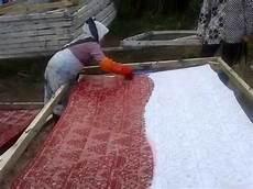 contoh pewarnaan batik secara alami kataucap