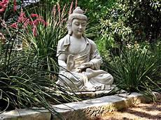 New Buddha Statue At Zen Center 南無阿弥陀仏 Flickr