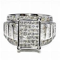 this exquisite diamond engagement ring is crafted in 14k white gold the square center piece