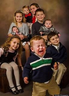 19 Hilarious Family Photos Wrong