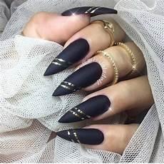 glamorous black and gold nail designs be modish