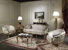 m 246 bel dekorative klassische wohnzimmer mit antiken holz kaffee tisch durch die throw kissen mit