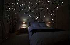 sternenhimmel im schlafzimmer wandsticker der sternenhimmel im schlafzimmer 187 schlafgadgets