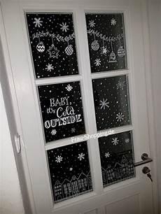 Fensterbilder Vorlagen Weihnachten Kreide Weihnachtliche Fensterbilder Mit Kreidestift Frau
