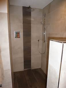 fliesen baukeramik und naturstein f 252 r die dusche