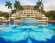 8 most jaw dropping hotel pools insider tip the authority newbeauty