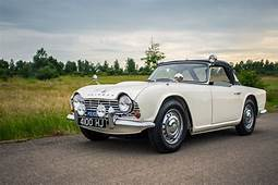 'High Speed Pursuit' 1962 Triumph TR4 Police Car