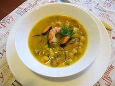 zuppa di zucca zuppa di zucca ceci gamberoni e cozze ricette della nonna