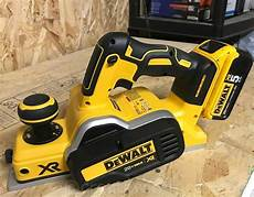 create with mom the dewalt dcp580b 20v max brushless planer diy tool