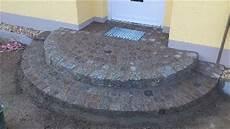 podest hauseingang granit natursteinarbeiten