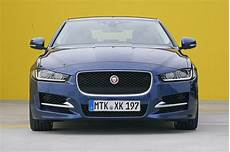 Der Neue Jaguar Xe - mittelklasse test der neue jaguar xe gegen bmw 3er