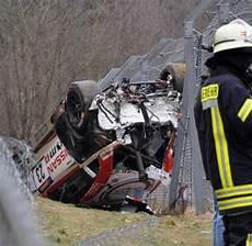 unfall nürburgring 2015 d ungl 252 cke zuschauer bei unfall auf dem n 252 rburgring