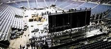 Lanxess Arena Garderobe - in sechs stunden vom popkonzert zum eishockey feld duda news