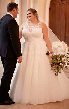 affordable classic plus size wedding dress stella york