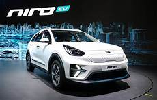 kia 2019 niro 2019 kia niro ev debuts with 210 horsepower 280 of