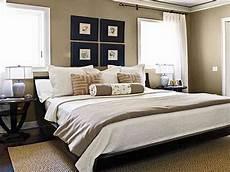 Decorating Ideas Master Bedroom by Decorating Ideas For Master Bedrooms Thecubicleviews