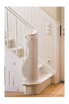 holzpaneele wand landhaus beadboard de treppenverkleidung wandverkleidung an treppe
