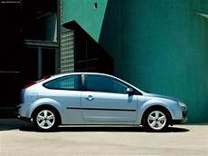 ford focus 3door eu 2004 picture 9 of 25 800x600