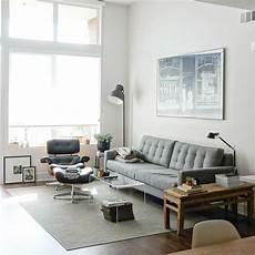 sofa für kleine räume sonniges apartment mit liebe zum detail