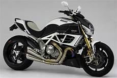 Racing Caf 232 Ducati Diavel Amg Dvc By Moto Corse