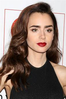 Lilly Collins Emily In Paris Lily Collins To Star In New Paramount