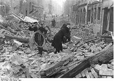 Nach Berlin - breve storia di berlino a partire dal 1933 il nuovo