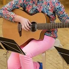 gitarren und len gitarren sch 252 lerkonzert calenberger musikschule