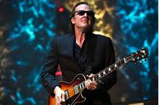 guitarist joe bonamassa joe bonamassa blues rock roll guitar concert wallpaper 4256x2832 408199 wallpaperup