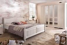 schlafzimmer weiss schlafzimmer landhausstil pisa kiefer teilmassiv s02
