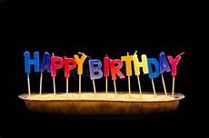 candele buon compleanno candele di buon compleanno nel grafico a torta fotografia