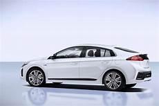2017 Hyundai Ioniq Hybrid Review Autoevolution